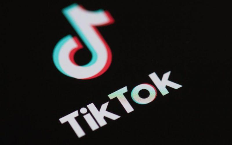 EE. UU. prohíbe uso de TikTok y WeChat por seguridad nacional, desde el domingo.