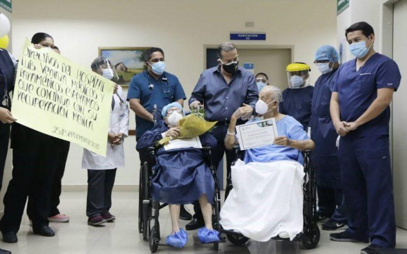 Pareja de ancianos supera el covid-19, en la ciudad de guayaquil