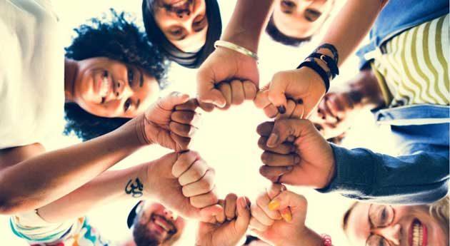 La cultura invita a los jóvenes a romper estereotipos sociales