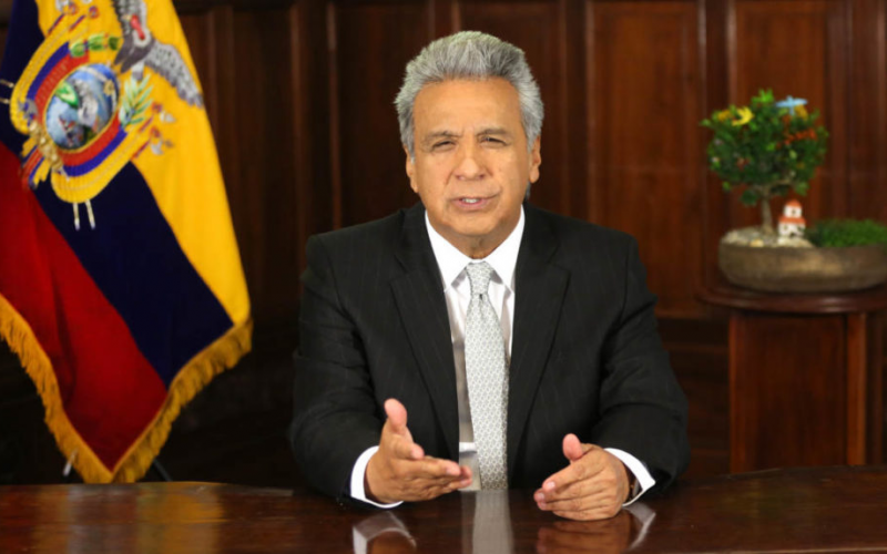 Presidente Moreno, anuncia que el FMI aprobó crédito a Ecuador.