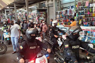 Municipio de Guayaquil realizó operativo en la bahía para evitar aglomeraciones