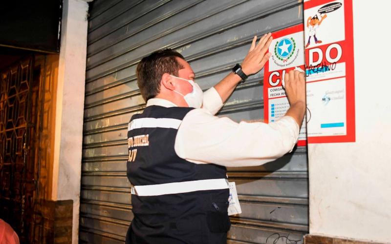 Al menos 300 locales fueron clausurados en Guayaquil