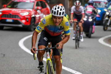 Jhonathan Caicedo apunta para la segunda fase del Giro de Italia