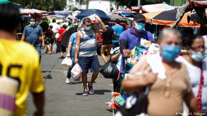 El Banco Mundial anuncia que 115 millones de personas caerán en pobreza extrema