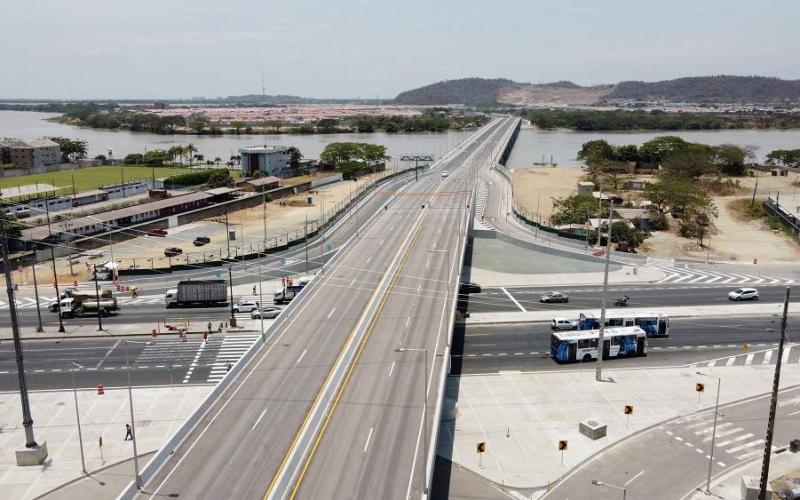 Puente de Guayaquil y Daule dejaría atrás los atascos en la urbanización La Joya