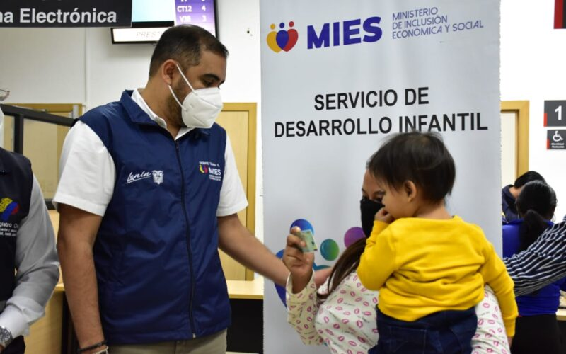 MÁS DE 11 MIL NIÑOS Y NIÑAS SON ATENDIDOS POR EL MIES EN LA PROVINCIA SANTA ELENA