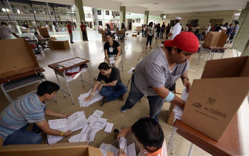 $ 140 de multa para las personas que no se logren capacitar, y no asistan a la mesa electoral y no voten