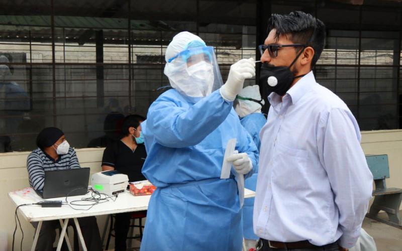 Siguen aumentando casos de coronavirus en el Ecuador, hasta al martes 17 de noviembre existe 181.104 confirmados y 13.025 fallecidos