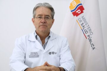 RENUNCIÓ EL MINISTRO DE SALUD