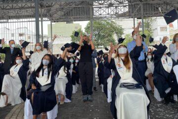 300 NUEVOS DE ARTESANOS SE GRADÚAN EN GUAYAQUIL