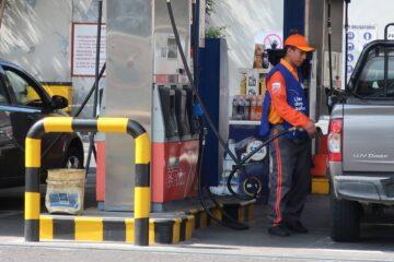 INCREMENTO EN LA GASOLINA CAUSA INCONFORMIDAD EN TRANSPORTISTAS Y CIUDADANÍA