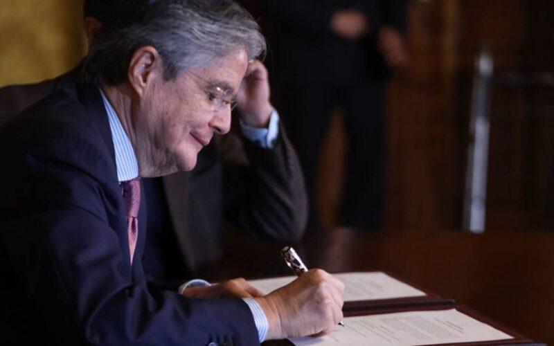 PRESIDENTE LASSO DECRETA NUEVAS POLÍTICAS PARA EL SECTOR PETROLERO