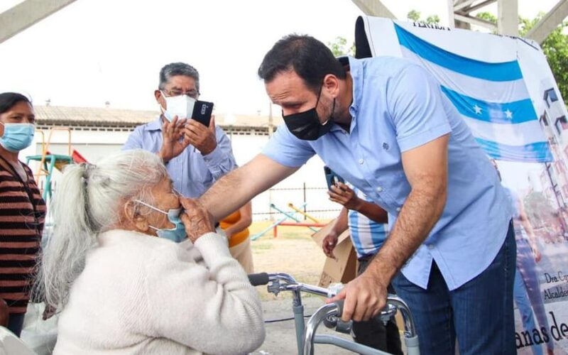 DASE visita sectores urbanos de Guayaquil para ofrecer ayuda social